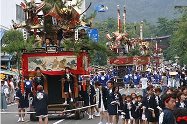 敦賀気比神宮祭りです。